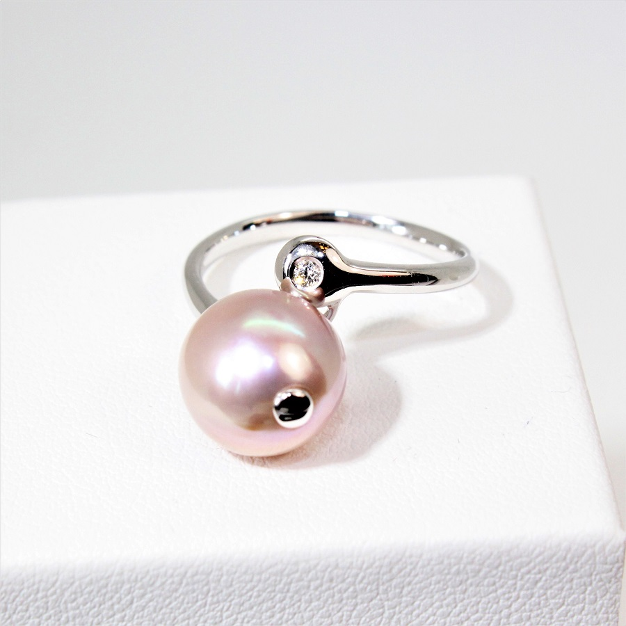 2d829f9805e Bague or blanc 18kt diamant et perles d eau douce rose Ø 10